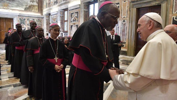 Đức Giáo hoàng Phanxicô tiếp 75 Giám mục thuộc các xứ truyền giáo